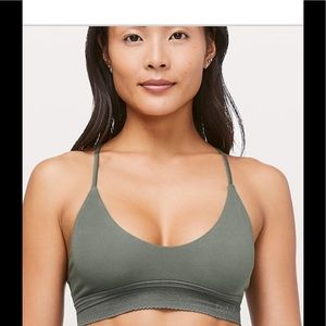 Lululemon Ever essentials bralette comes with bag